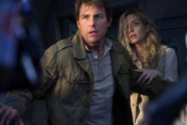 Tom Cruise & Annabelle Wallis in The Mummy