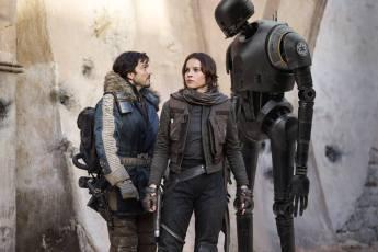 Diego Luna & Felicity Jones in Rogue One: A Star Wars Story