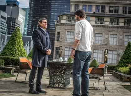 Ian McShane & Keanu Reeves in John Wick: Chapter 2