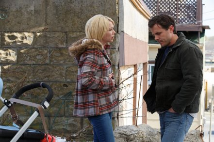 Michelle Williams & Casey Affleck in Manchester by the Sea