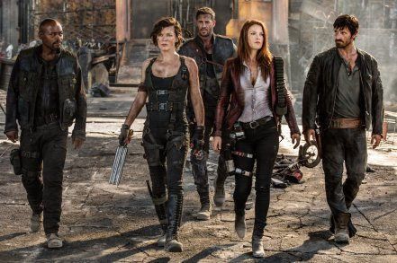 Milla Jovovich, Ali Larter, Fraser James, William Levy, and Eoin Macken in Resident Evil: The Final Chapter