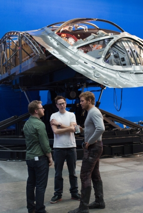 Jonathan Schwartz, James Gönn & Chris Pratt on set Guardians of the Galaxy Vol. 2