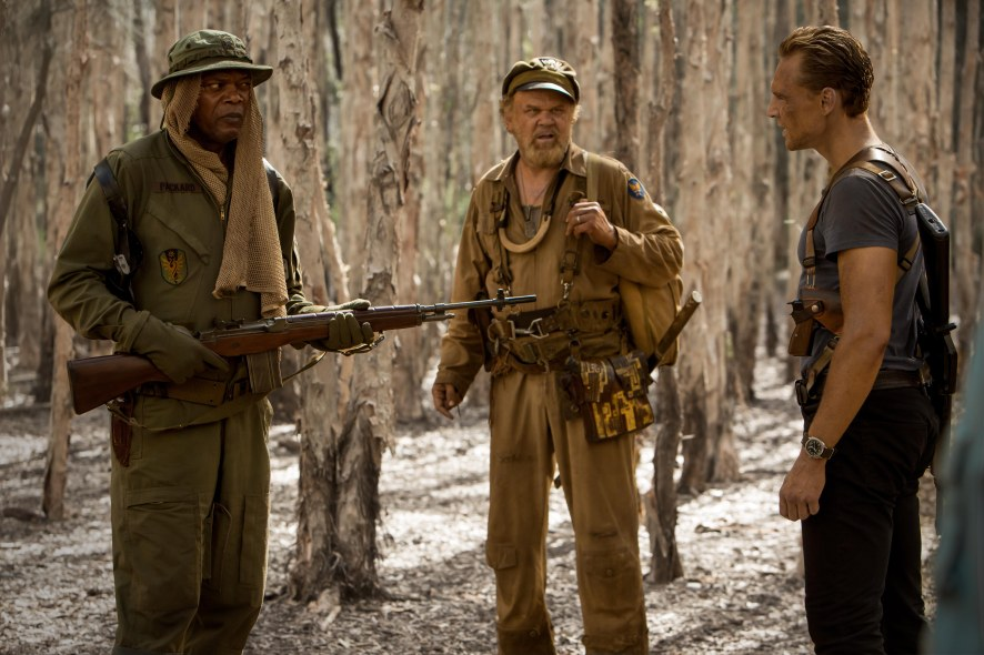 Samuel L. Jackson, John C. Reilly & Tom Hiddleston in Kong: Skull Island