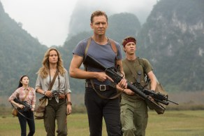 Brie Larson, Tom Hiddleston & Thomas Mann in Kong: Skull Island