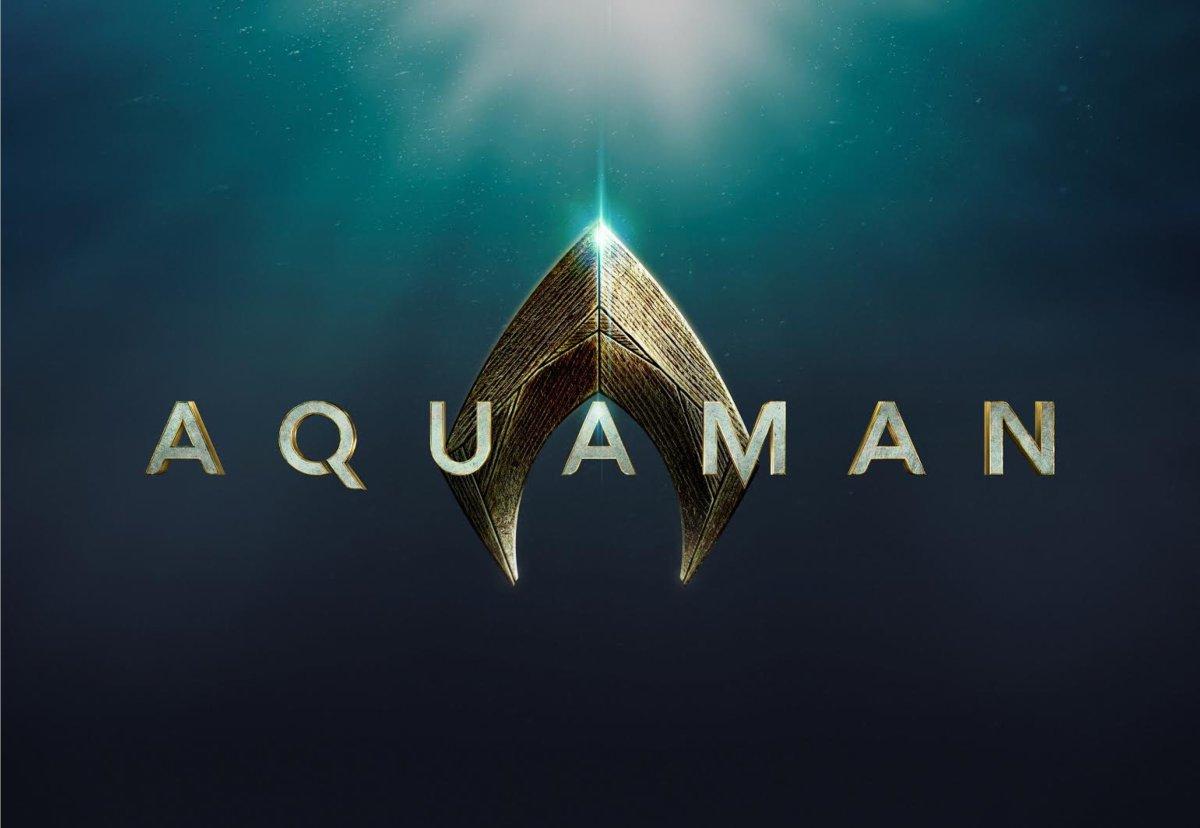 Slideshow Collectibles Figure Reveals Classic 'Aquaman' Costume
