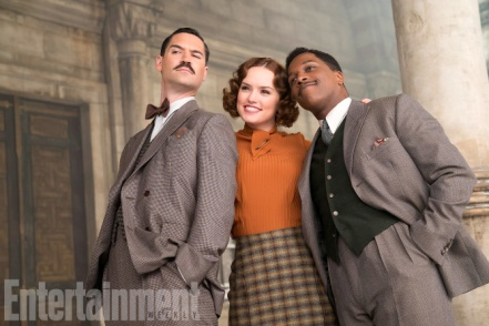 Manuel Garcia-Rulfo, Daisy Ridley & Leslie Odom Jr. in Murder on the Orient Express