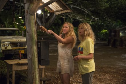Amy Schumer & Goldie Hawn in Snatched