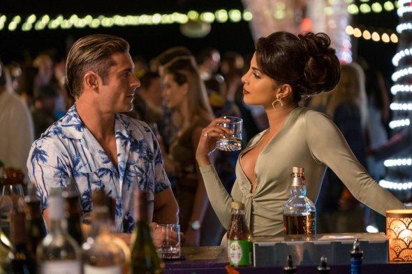 Zac Efron & Priyanka Chopra in Baywatch