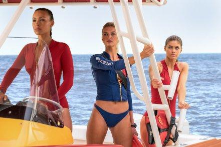 Ilfenesh Hadera, Kelly Rohrbach & Alexandra Daddario in Baywatch