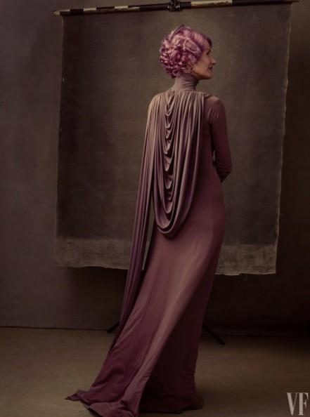 star-wars-the-last-jedi-images-laura-dern-amilyn-holdo-445x600