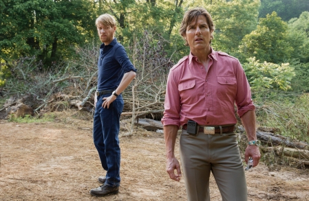 Tom Cruise & Domhnall Gleeson in American Made