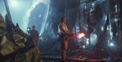 Laura Haddock & Mark Wahlberg in Transformers: The Last Knight