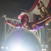 Zac Efron & Zendaya in The Greatest Showman