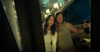 transformers-5-laura-haddock-mark-wahlberg-1-600x316