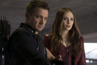 Jeremy Renner & Elizabeth Olsen in Avengers: Age of Ultron