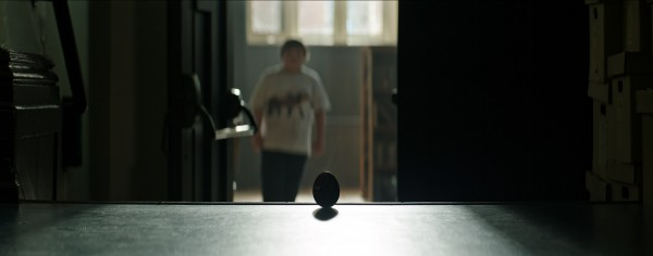 it-movie-image-egg-600x236