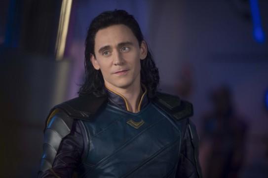 thor-ragnarok-tom-hiddleston-2-600x399