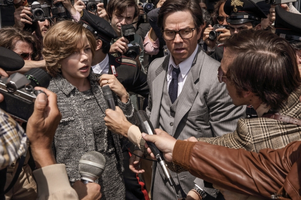 Michelle Williams & Mark Wahlberg in All The Money in the World
