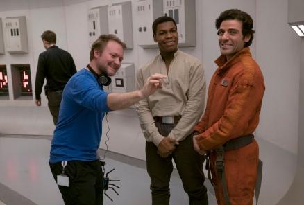 Rian Johnson, John Boyega & Oscar Isaac on set Star Wars: The Last Jedi