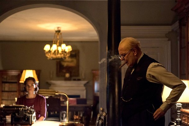 Lily James & Gary Oldman in Darkest Hour