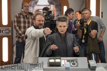Rian Johnson & Carrie Fisher on set Star Wars: The Last Jedi