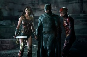 justice-league-photo-ben-affleck-gal-gadot-ezra-miller-997221