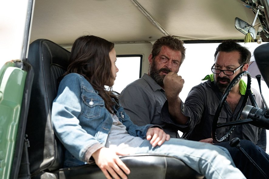 Dafoe Keen, Hugh Jackman & James Mangold on set Logan