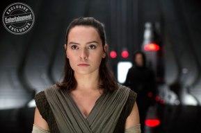 Daisy Ridley & Adam Driver in Star Wars: The Last Jedi
