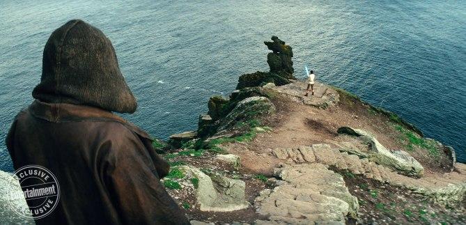Mark Hamill & Daisy Ridley in Star Wars: The Last Jedi