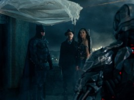 justice-league-ben-affleck-jk-simmons-gal-gadot-600x450