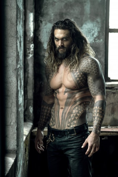 justice-league-jason-momoa-400x600