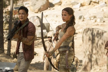 Daniel Wu & Alicia Vikander in Tomb Raider (2018)