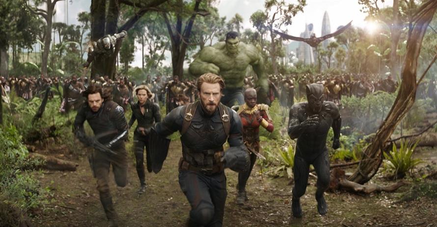 Sebastian Stan, Chris Evans, Scarlett Johansson & Danai Gurrira in Avengers: Infinity War