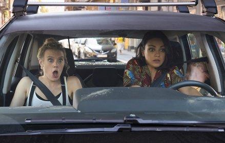 Kate McKinnon & Mila Kunis in The Spy Who Dumped Me