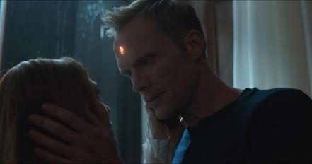 Elizabeth Olsen & Paul Bettany in Avengers: Infinity War