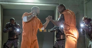 Jason Statham & Dwayne Johnson in The Fate of the Furious