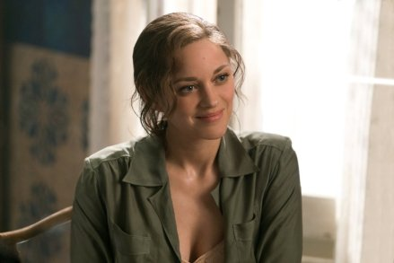Marion Cotillard in Allies