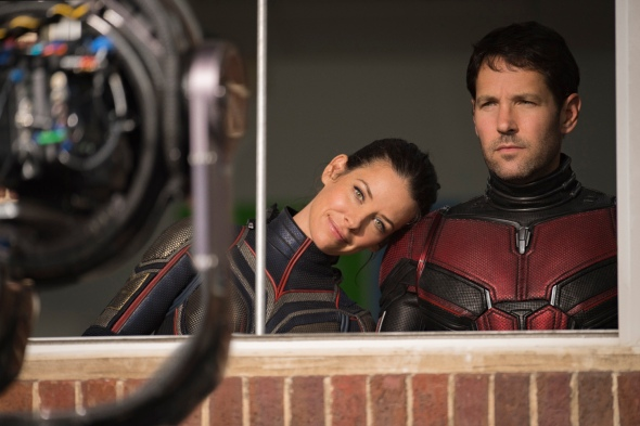 Marvel Studios ANT-MAN AND THE WASP L to R: The Wasp/Hope van Dyne (Evangeline Lilly) and Ant-Man/Scott Lang (Paul Rudd) BTS on set. Photo: Ben Rothstein ©Marvel Studios 2018