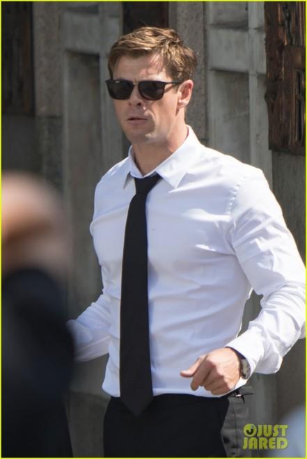Chris Hemsworth Filming Men in Black