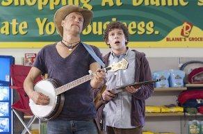Wood Harrelson & Jesse Eisenberg in Zombieland