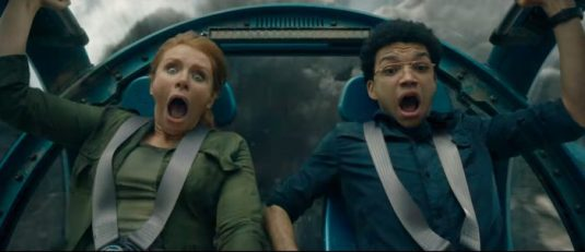 Bryce Dallas Howard and Justice Smith in Jurassic World: Fallen Kingdom