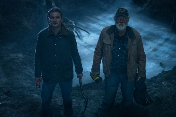 Jason Clarke & John Lithgow in Pet Sematary (2019)