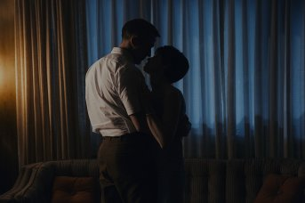 Ryan Gosling & Claire Foy in First Man