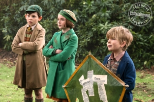 Nathanael Saleh, Pixie Davies & Joel Dawson in Mary Poppins Returns