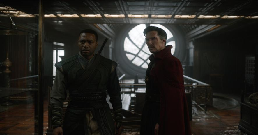 Chiwetel Ejiofor & Benedict Cumberbatch in Doctor Strange