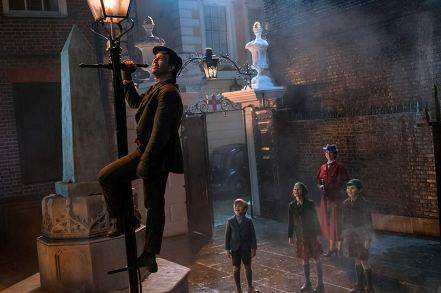 Lin-Manuel Miranda & Emily Blunt in Mary Poppins Returns