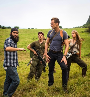 Jordan Vogt-Roberts, Thomas Mann, Tom Hiddleston & Brie Larson on set Kong: Skull Island