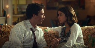 Miles Teller & Ana de Armas in War Dogs